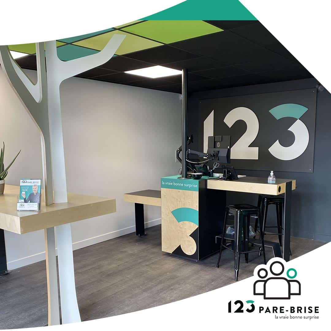 Centre 123 Pre-Brise